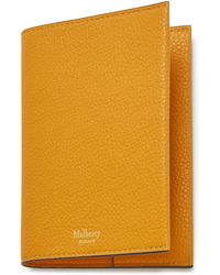 Mulberry Passport Cover In Deep Amber Small Classic Grain - Yellow