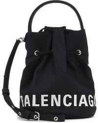 Balenciaga Bucket-Bag Wheel XS aus Canvas - Schwarz
