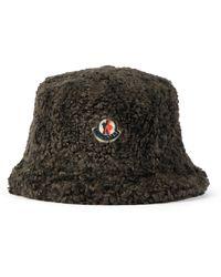 Moncler Sombrero de borrego sintético con logo - Marrón