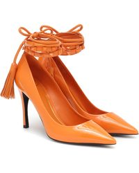 Valentino Garavani Salones Rockstud Flair de charol - Naranja