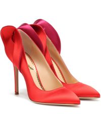 Charlotte Olympia Pumps aus Satin - Rot