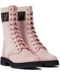 Fendi Ankle Boots Rockoko aus Leder und Strick - Pink