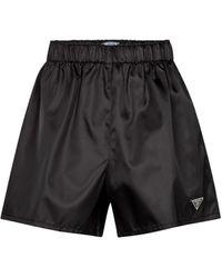 Prada Shorts de gabardina de nylon - Negro