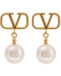 Valentino Garavani Vlogo Faux Pearl Earrings - Metallic