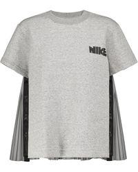Nike X sacai Plissiertes T-Shirt - Grau
