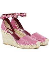 Valentino Garavani Espadrille-Wedges Rockstud Double aus Leder - Pink