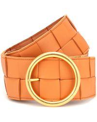 Bottega Veneta Cinturón de piel intrecciato - Naranja
