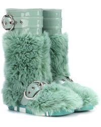 Miu Miu Stiefel mit Faux Fur und Lackleder - Grün