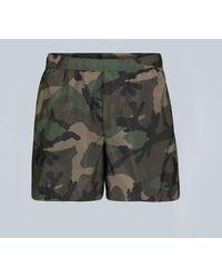 Valentino Badeshorts mit Camouflage-Print - Grün