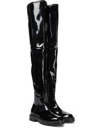 Givenchy Overknee-Stiefel aus Lackleder - Schwarz