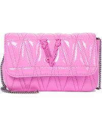 Versace Schultertasche Virtus Small aus Leder - Pink