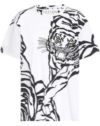 c514fef8 Valentino Tiger Shoulder T-shirt in Black - Lyst