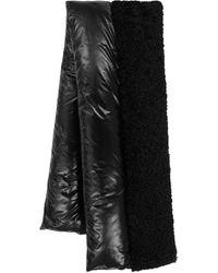 Moncler Schal aus Shell und Faux Shearling - Schwarz