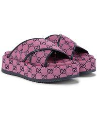 Gucci Plateau-Pantoletten GG aus Canvas - Pink