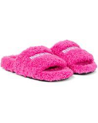 Balenciaga Pantoletten aus Faux Shearling - Pink