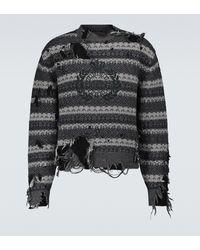 Balenciaga Jersey de cuello redondo con destrozos - Gris
