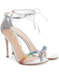 Gianvito Rossi Verzierte Sandalen aus Metallic-Leder - Mettallic