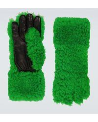 Bottega Veneta Gants verts en peau retournée