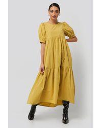 NA-KD Boho Puff Sleeve Pleated Tiered Midi Dress - Geel