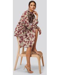 NA-KD Boho High Frill Neck Dress - Bruin