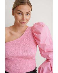 NA-KD Trend Einseitig Schulterfreies Top Mit Puffärmel - Pink