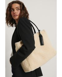 NA-KD Beige Fluffy Oversize Shopper - Natural