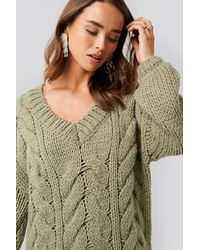 NA-KD Green Wool Blend V-neck Heavy Knitted Cable Sweater