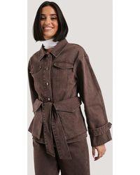 NA-KD Belted Denim Jacket - Bruin