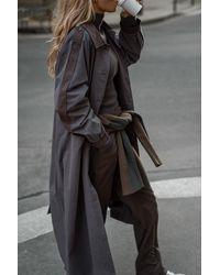 NA-KD Claire Rose X Trenchcoat Met Detail - Grijs