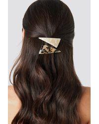 NA-KD Big Triangle Resin Hairclip - Naturel
