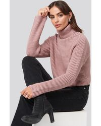 NA-KD Folded Polo Neck Knitted Sweater - Roze