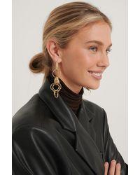 NA-KD Messy Chain Earrings - Metallic