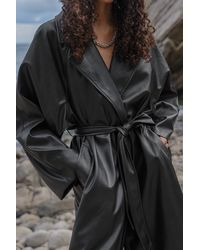 NA-KD Trend Oversized Pu Trenchcoat - Zwart