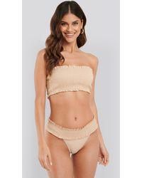 NA-KD Swimwear Smocked Flounce Bikini Panty - Natur