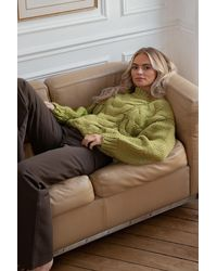 NA-KD Claire Rose X Kabelgebreide Sweater - Groen