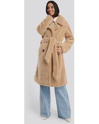 NA-KD Belted Long Teddy Coat - Naturel