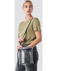 NA-KD Accessories Snake Bucket Bag - Mehrfarbig