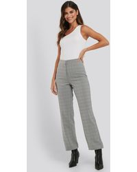 NA-KD Cropped Straight Suit Check Pants - Gris
