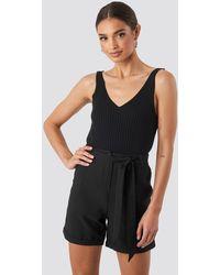 Trendyol Waistband Belted Shorts - Zwart
