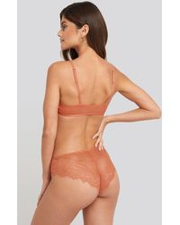 NA-KD Lingerie High Cut Lace Panty - Mehrfarbig