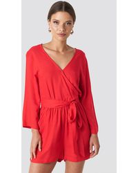 NA-KD Wrap Playsuit - Rot