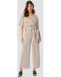 NA-KD Trend Striped Jumpsuit - Mehrfarbig