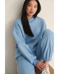 NA-KD Organisch Sweatshirt Met Hoge Halsdetail - Blauw