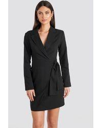 NA-KD Side Tie Blazer Dress - Zwart
