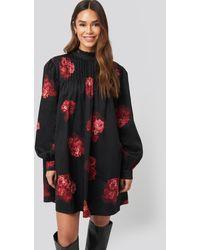 NA-KD Ruffle Detail Short Dress - Zwart
