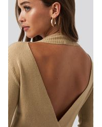 NA-KD Open Back Overlap Knitted Sweater - Naturel