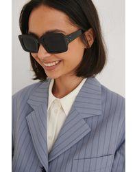 NA-KD Wijde Vierkante Zonnebril - Zwart