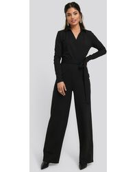 NA-KD Point Collar Wrap Jersey Jumpsuit - Schwarz