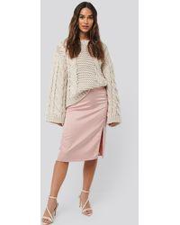 NA-KD Front Slit Satin Skirt - Roze