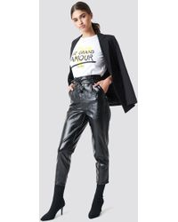 NA-KD - Paperwaist Patent Leather Pants Black - Lyst
